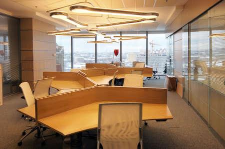 mobiliario de oficina: Demostraci�n interior de la oficina en un nuevo centro de negocios de Mosc� --  Foto de archivo