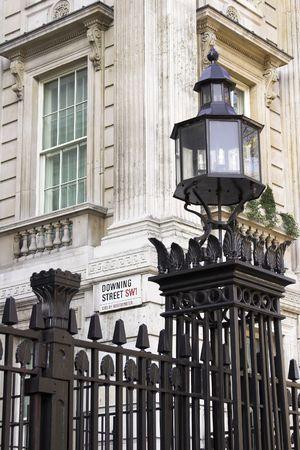 personas en la calle: Downing Street, Westminster, Londres, Inglaterra  Foto de archivo