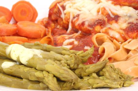 marinara: Asparagus and Carrots with Baked Chicken and Marinara Sauce