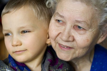 Ni�o con la abuela