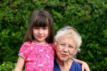 muchacha con el grandma Foto de archivo