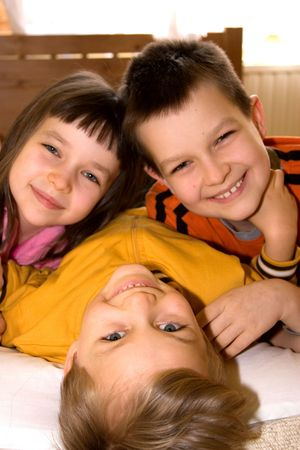 los ni�os sonriendo  Foto de archivo - 870620