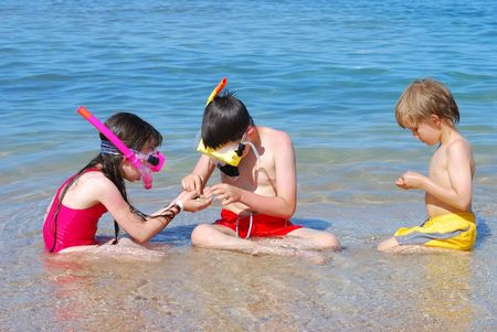swimming at the beach: Snorkel Kids