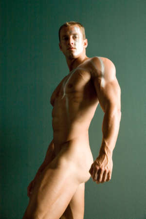 desnudo masculino: Sexy cuerpo constructor en bodypaint  Foto de archivo