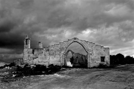bewitched: Abandoned and spectral house in the Sicilian hinterland
