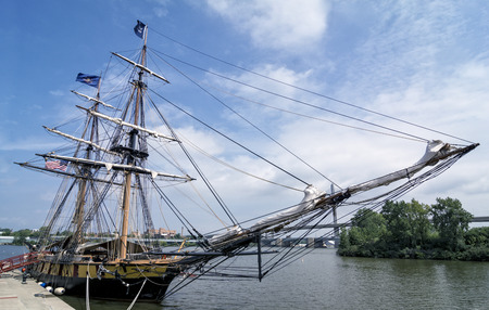 commanded: The reconstructed U.S. Brig Niagara tall ship docked in the port of Toledo Ohio. The ship foguht in the Battle of Lake Erie in the war of 1812 commanded by Commodore Admiral Oliver Hazard Perry. Stock Photo