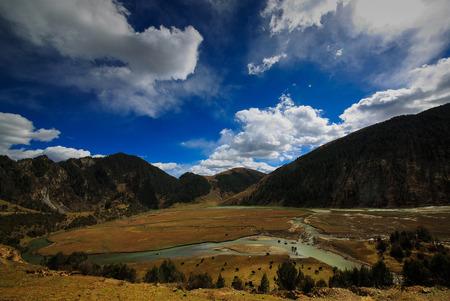sichuan: Grassland under the cloudy sky in Sichuan