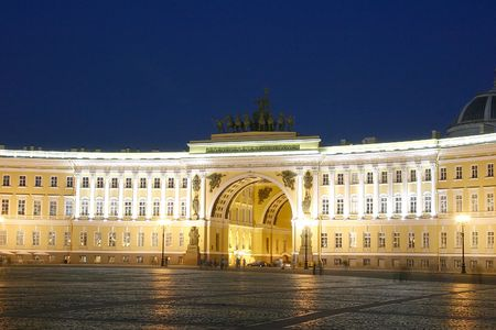 The arch of General Headquarters, Palace square, Saint-petersburg, Russia
