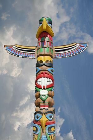 aborigen: Totem en el cielo  Foto de archivo
