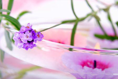 Elements of lavender SPA: fresh lavender and lavender candles.