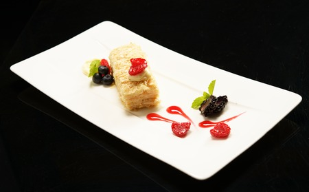 napoleon: Napoleon puff tort with fresh  fruits