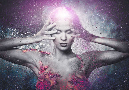 inspiratie: Kwetsbaarheid van een menselijk schepsel conceptuele body art op een vrouw Stockfoto