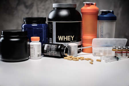 testosterone: Bodybuilding nutrition supplements and chemistry Stock Photo