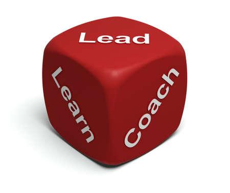 liderazgo: Dados de rojo con palabras aprende, entrenador, plomo en caras Foto de archivo