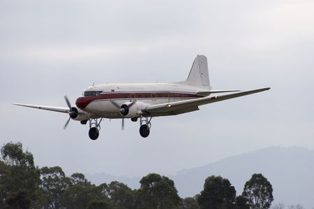 douglas: Douglas DC-3 coming in for a landing