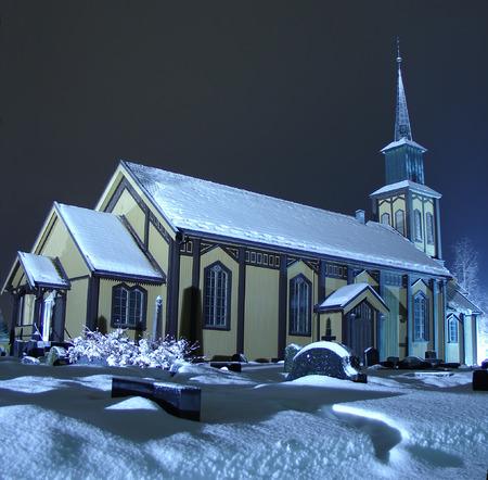 nuit hiver: �glise en Norv�ge une nuit dhiver