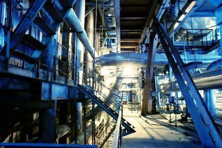 turbina de vapor: Tuber�as, tubos, maquinaria y turbina de vapor en una central el�ctrica