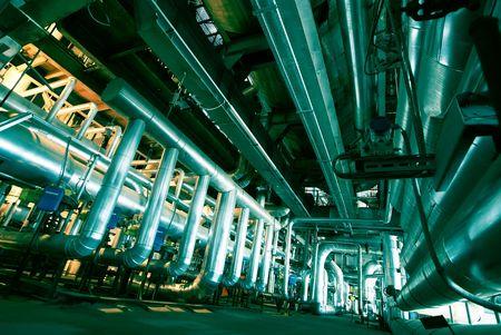 turbina de vapor: Tuber�as, tubos, maquinaria y turbina de vapor en una planta de energ�a