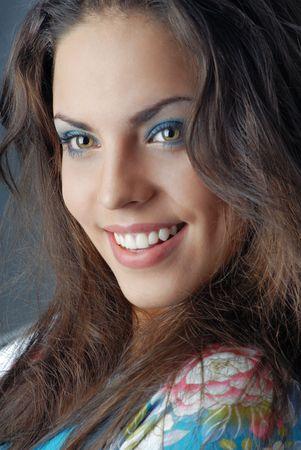 nifty: Glimlachende dame met een perfecte make-up Stockfoto