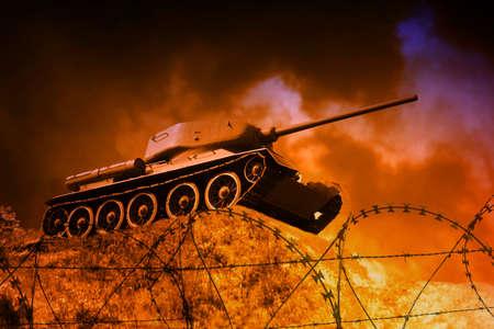 war tank: Tanque viejo en el campo de batalla