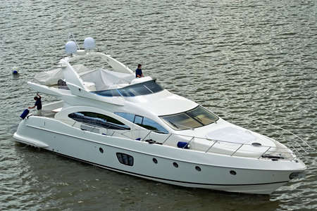 solvency: Magnificent rest on a walking yacht