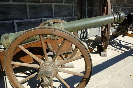 antiguas de artillería, cañones antiguos  Foto de archivo - 2094191