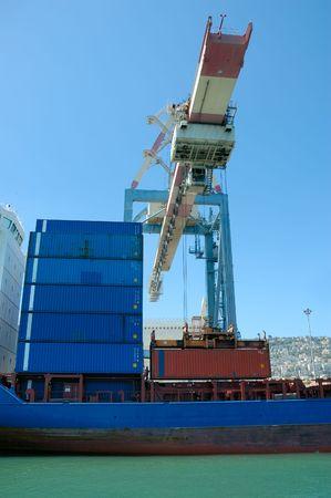 unloading of cargo ship photo