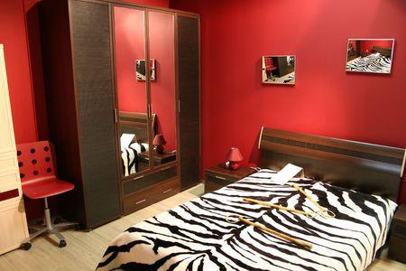 coverlet: stripe red bedroom