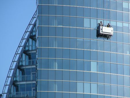 arhitecture: window washers cleans skycraper