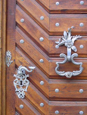 puertas antiguas: puertas en Praga Foto de archivo