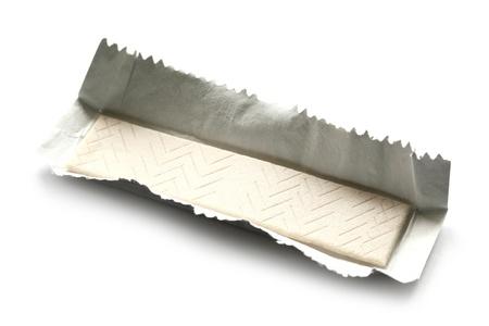 goma de mascar: goma de mascar aisladas sobre fondo blanco Foto de archivo