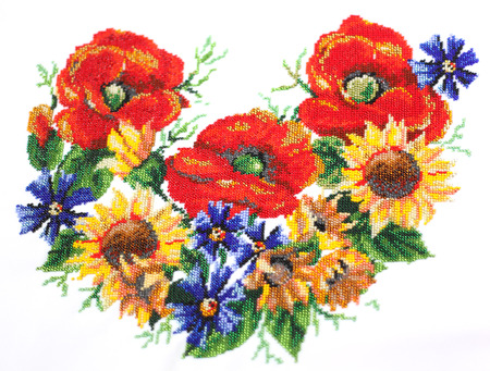 purl: Ukrainian embroidery. Embroidery beads. Pattern of flowers