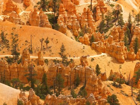 sightseers: Distant hikers on a switchback trail in Bryce Canyon National Park