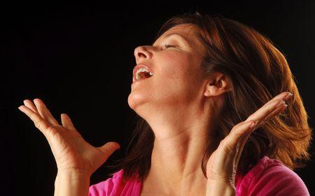 extase: Pretty Woman schudt haar haren in een moment van extase