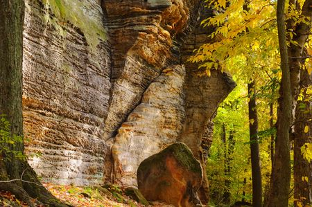 national scenic trail: Scenic ledges in Ohios Cuyahoga Valley National Park with autumn foliage