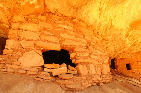the dwelling: Ancient Anasazi cliff dwelling in a Utah canyon