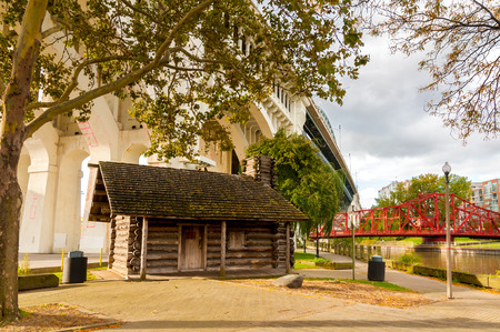 log cabin: The old Settlers Cabin in Heritage park in Cleveland Ohio