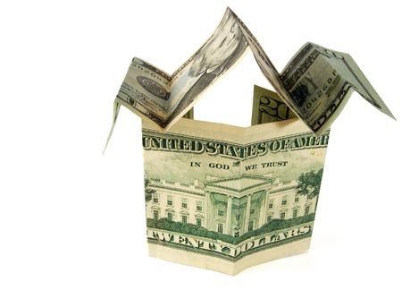 investment real state: d�lar casa aislada en blanco con el recorte camino