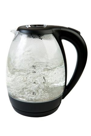 kettles: Caldera de té con agua hirviendo sobre blanco