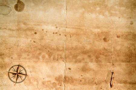brujula antigua: Viejo grunge hoja de papel en blanco con rosa de los vientos