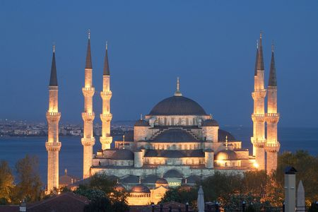 camii: Main mosque of Istanbul - Sultan Ahmet camii. Most famous as Blue mosque. View at early evening.
