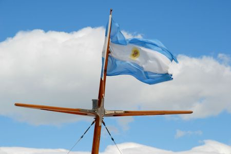 bandera argentina: Argentina Bandera en m�stil de un buque.  Foto de archivo