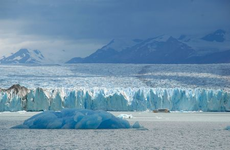 upsala: Argentine excursion ship near the Upsala glacier in Patagonia, Argentina.Lake Argentino. Stock Photo
