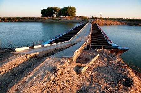 pontoon: Pontoon bridge over The Syr Darya river, Kazakhstan