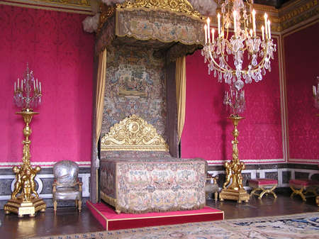 baroque room: PARIS - MAY 4:  Queen Marie-Antoinette bedroom in Chateau of Versailles was of exceptional splendor. May 4, 2004 , Paris, Ile-de-France