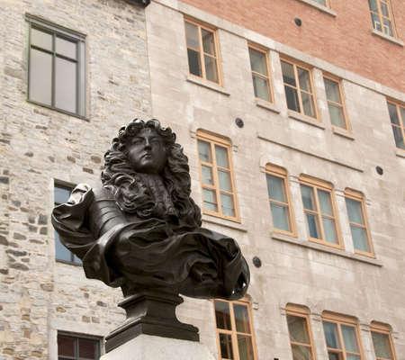 royale: Rey Louis XIV statue, Place Royale, antigua ciudad de Quebec, 21 de agosto de 2009  Editorial