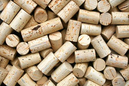 ワインを作るためのワインのボトルのコルクのコレクション