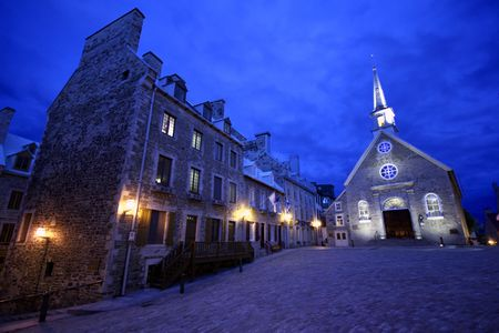 ノートルダム大聖堂デ勝利教会の 1688 年に、ケベック旧市街の日付。 写真素材