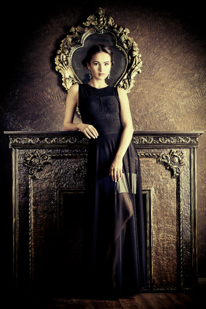 jewellery: Beautiful elegant lady in vintage interior. Fashion shot.