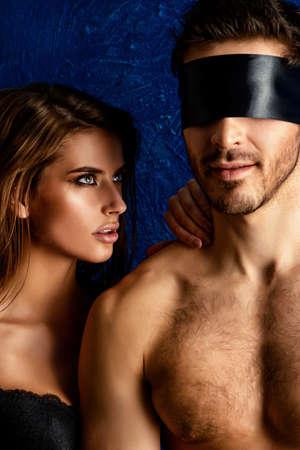pareja apasionada: Sexual juego pareja apasionada en los juegos de amor. BDSM.